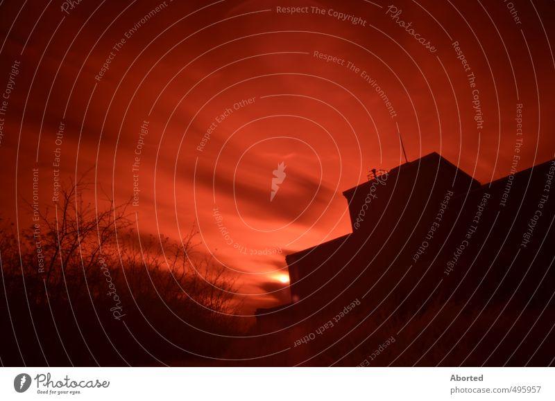 Doom`s Day dunkel Park Fassade leuchten Urelemente bedrohlich entdecken Surrealismus Klimawandel Industrieanlage