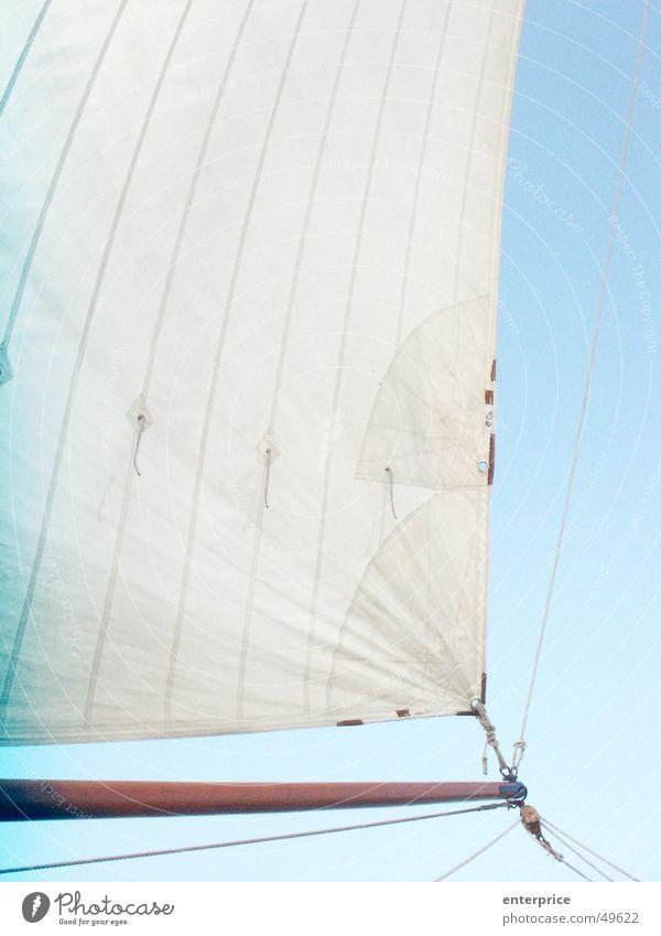 Klüverbaum Himmel weiß blau dunkel oben Luft Wasserfahrzeug hell Kraft Wind Seil Geschwindigkeit Elektrizität weich fest Unendlichkeit