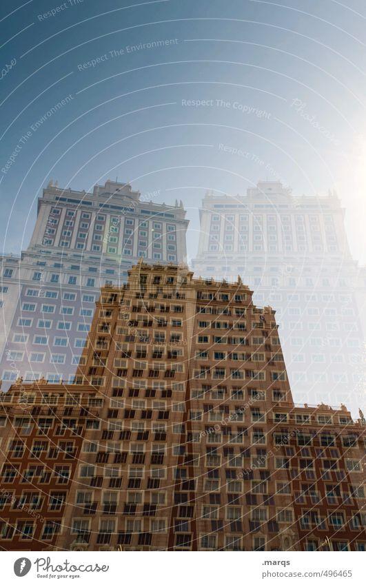Aufbau Fenster Gebäude Architektur Stil außergewöhnlich Fassade Lifestyle Hochhaus Design Ordnung Perspektive hoch Schönes Wetter verrückt Coolness Macht