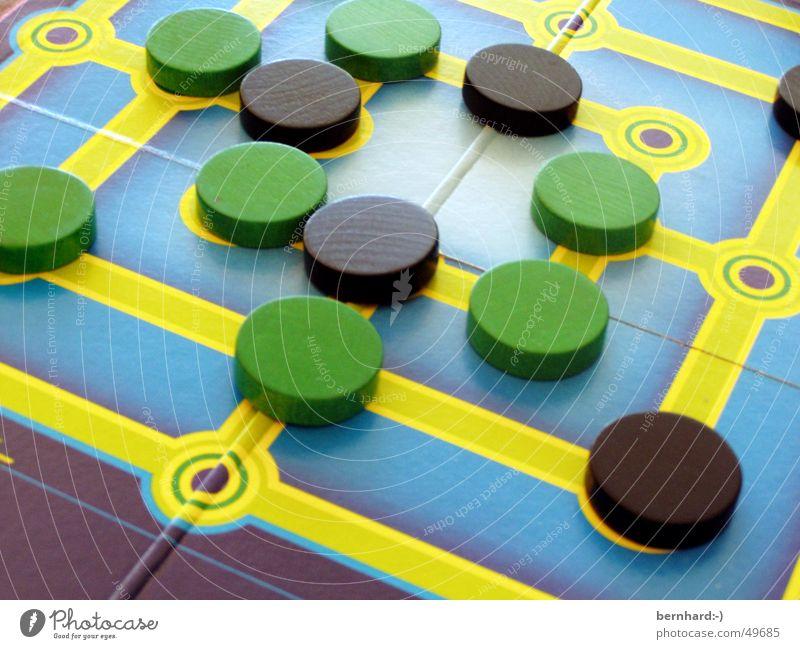 lass uns spielen III Brettspiel Spielen Mühle games play Freude fun Spielfigur
