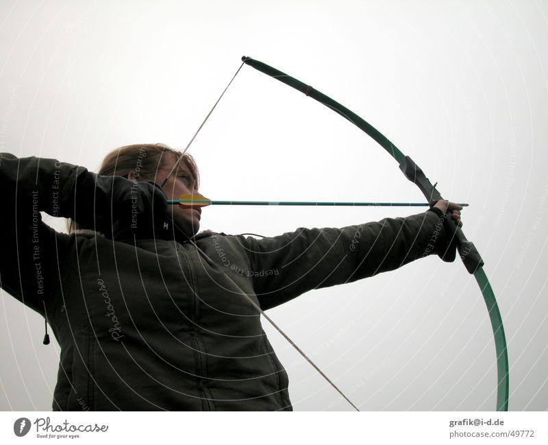 Bogen-Fee Frau Himmel grün Pfeil zielen Bogen schießen