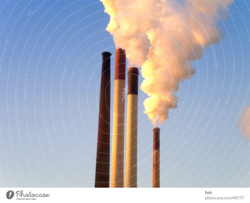 volldampf ruhig Wolken gelb Beton Energiewirtschaft Turm Rauch Gas Schornstein Gift Blauer Himmel Wasserdampf Stromkraftwerke Windstille Ruhrgebiet