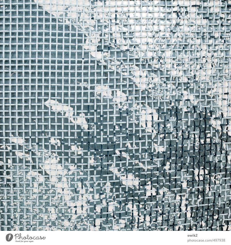 Strandkorbgitter Metall Kunststoff alt klein nah trashig verrückt wild bizarr chaotisch Desaster Kraft Kreativität Leben Leidenschaft Irritation Gitter Farbe