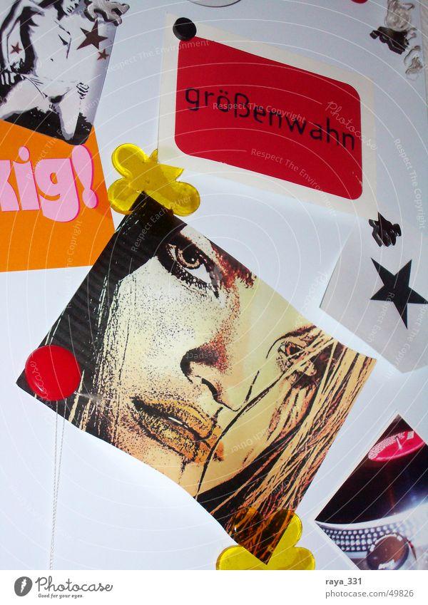 Größenwahn_2 Frau weiß Blume rot schwarz Auge gelb Farbe braun orange rosa Stern (Symbol) Text Tafel Symbole & Metaphern Schwarzes Brett