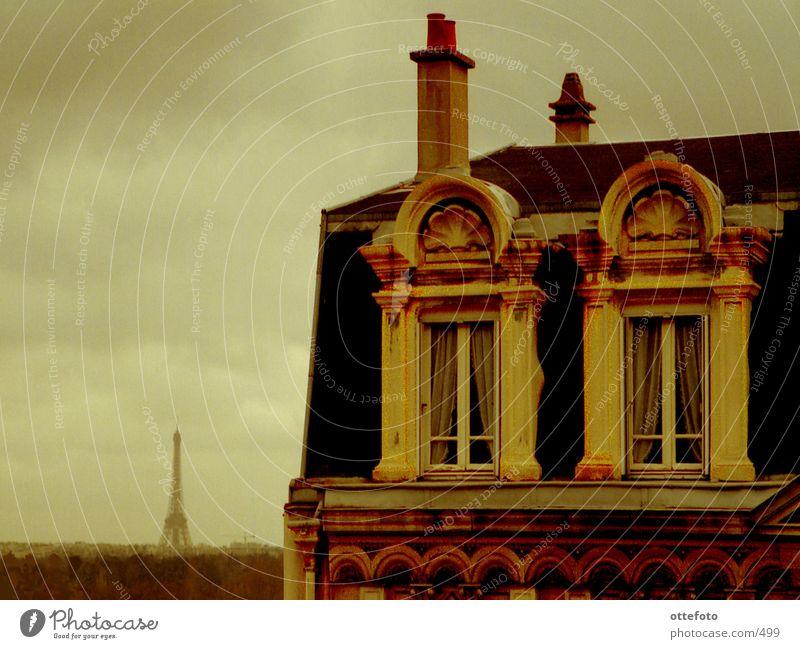 Suresnes bei Paris Stadt Architektur Dach Paris Tour d'Eiffel