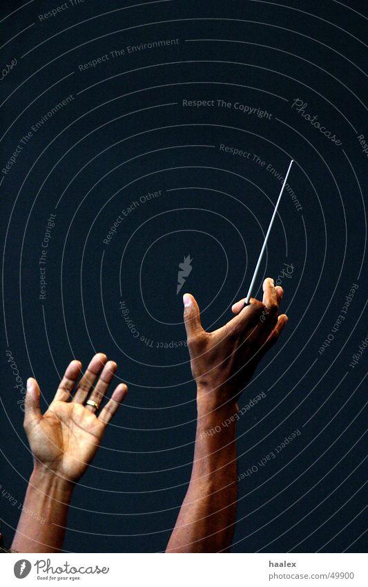 Meisterhände Dirigent Wien Klassik Hand konzert für europa bobby mcfarin hände mit taktstock takstock Musik offene hände