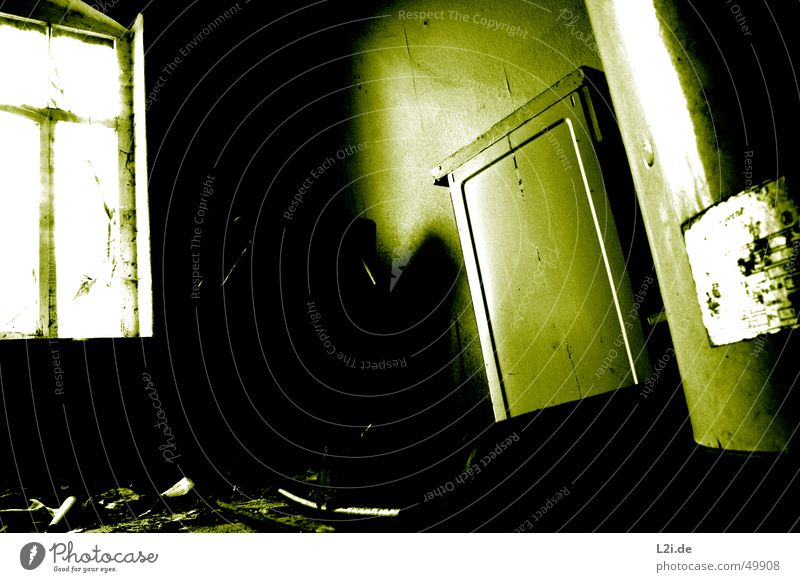 Green Room I alt weiß grün Haus schwarz Einsamkeit dunkel Wand Fenster Raum gruselig Zerstörung Herd & Backofen