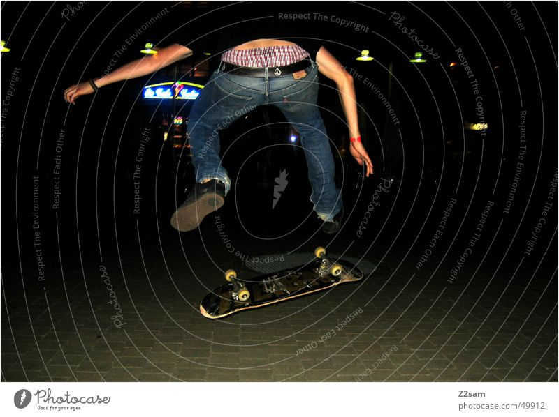 Nightflip Mensch Sport Aktion Skateboarding Salto Funsport