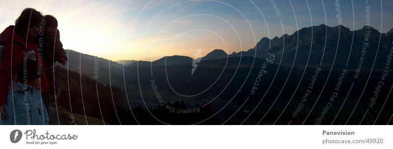 Sonnenuntergang auf der Planai Himmel Berge u. Gebirge Familie & Verwandtschaft Stimmung Aussicht Romantik Alpen Abenddämmerung Tal Bundesland Steiermark Bergkette Familienausflug Dachsteingruppe Berg Planai Schladming