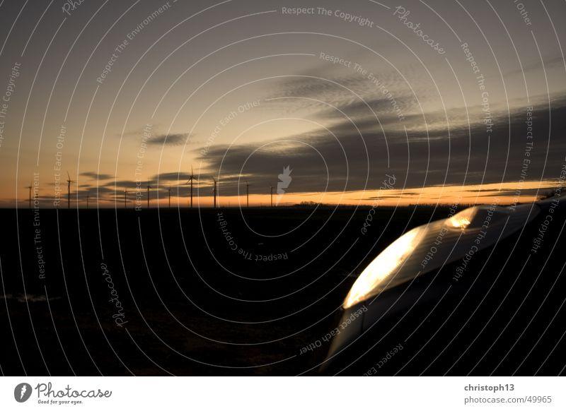 Micra-Dawn Sonnenuntergang Dämmerung Horizont dunkel Windkraftanlage dawn Himmel Farbe nissan micra PKW autolicht Scheinwerfer Erneuerbare Energie