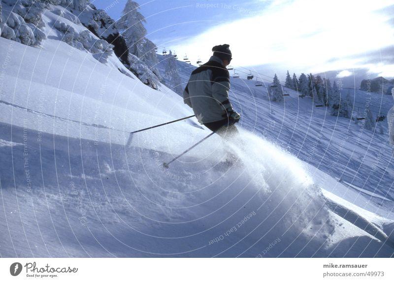 blo[:win:]ter Skifahren Tiefschnee Stock Mütze Jacke Schnee powder Fahrstuhl schifahrer