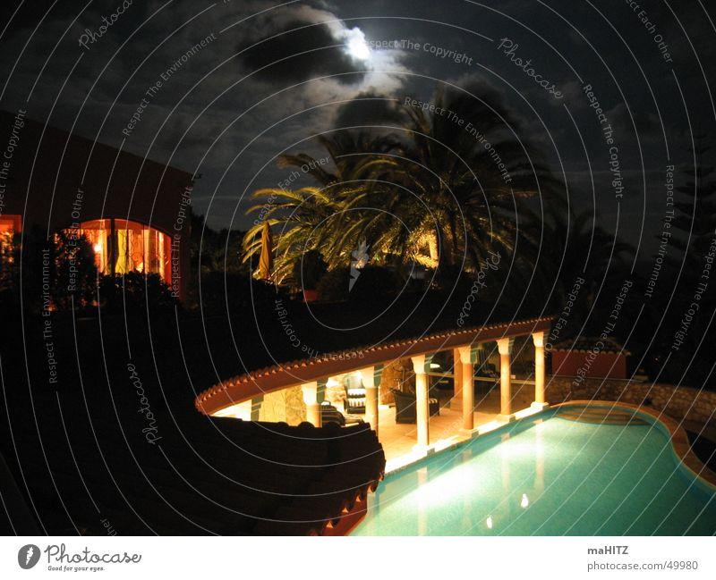 Hotel Vivenda Miranda bei Nacht Schwimmbad Mond Palme Portugal Lagos Algarve Mondschein