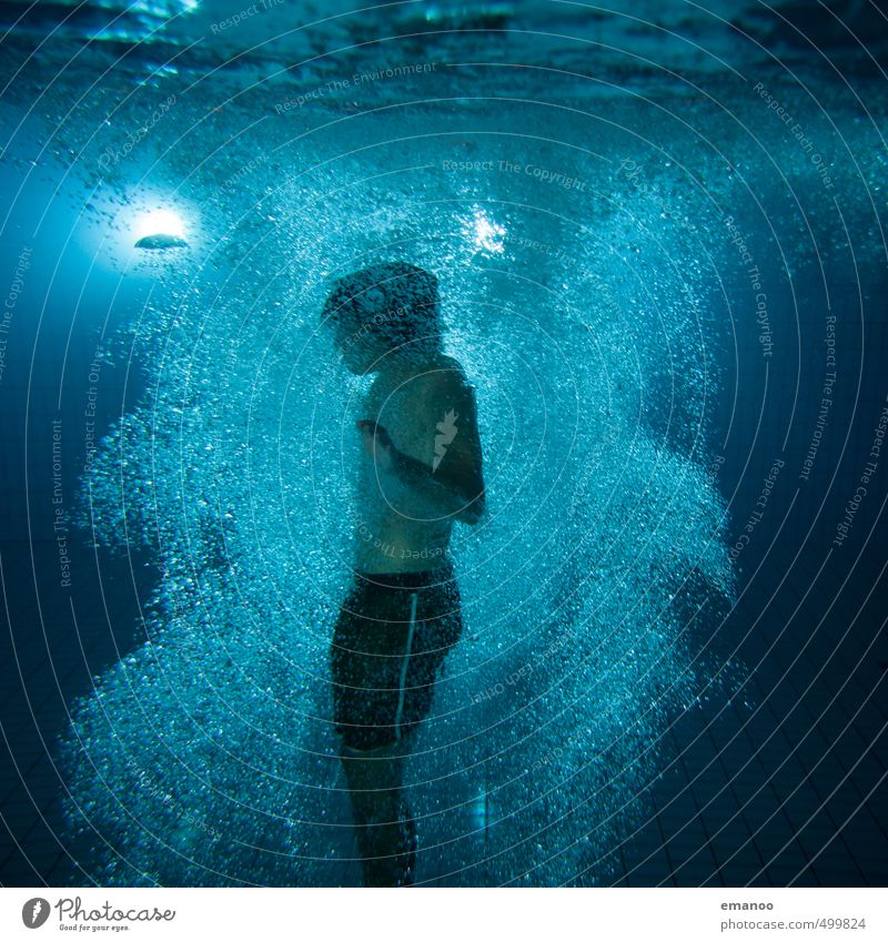 Whirlpool diving Mensch Jugendliche Mann blau Wasser Erholung Freude Erwachsene dunkel kalt Sport Schwimmen & Baden Luft Körper maskulin Lifestyle