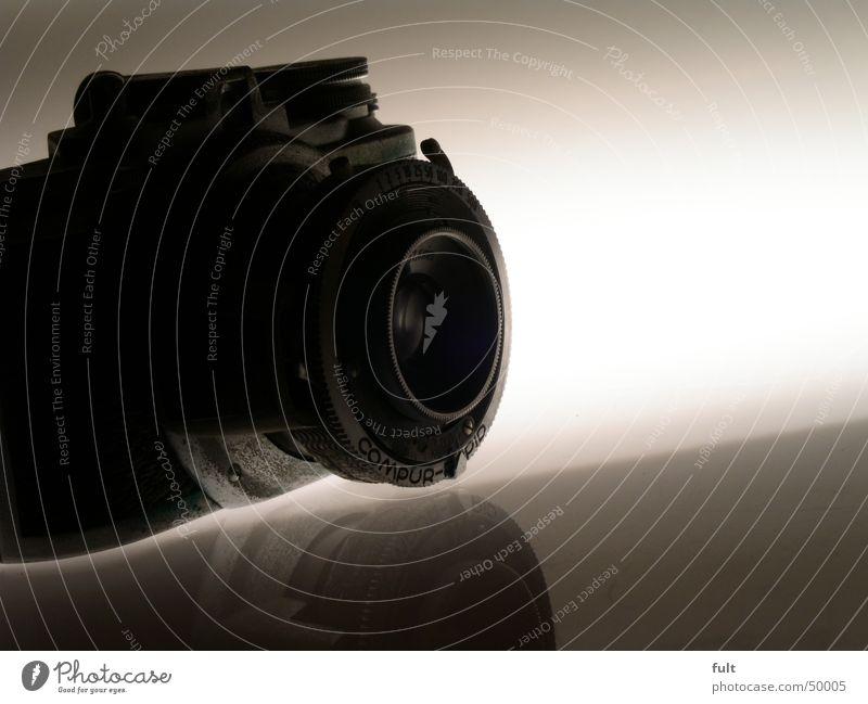 photavit2 analog Fotografie Fotokamera Fototisch Reflexion & Spiegelung analogkamer Objektiv Linse liegen Makroaufnahme Nahaufnahme