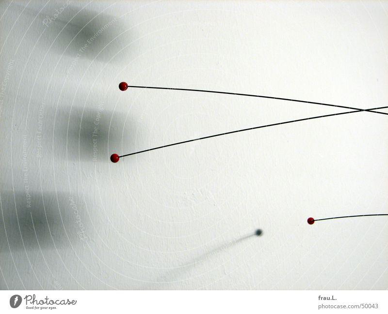 Mobile III weiß rot schwarz Wand grau Wohnung Dekoration & Verzierung Häusliches Leben zart Kugel Mobilität Kunsthandwerk