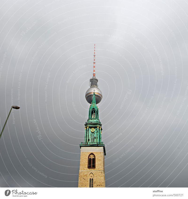 berlin, für zett Berlin Berliner Fernsehturm Berlin-Mitte Hauptstadt Stadtzentrum Skyline Kirche Turm Sehenswürdigkeit Wahrzeichen ästhetisch Marienkirche