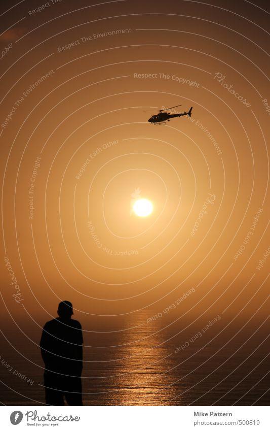 Helicopter at Torrey Pines Mensch Himmel Sommer Meer Ferne gelb Wärme Bewegung hell Horizont braun orange bedrohlich demütig Hubschrauber