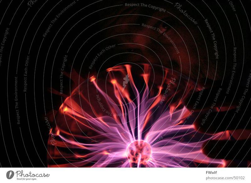 Plasma-Magie Blitze Elektrizität Licht Strahlung entladen Zauberei u. Magie Zauberer Gnom Fantasygeschichte Neonlicht plasmalampe plasmalight plasmakugel
