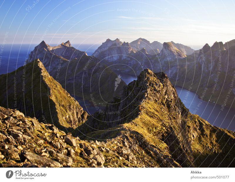 Into the mountain II Sinnesorgane Ferien & Urlaub & Reisen Abenteuer Ferne Expedition Berge u. Gebirge wandern Natur Landschaft Gipfel Fjord authentisch Gefühle
