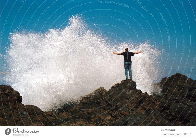 Mach mich Nass! Meer See Atlantik Küste Gischt Brandung Strand Kanaren La Palma Spanien nass Ferien & Urlaub & Reisen Sommer begossen Wellen Buhne
