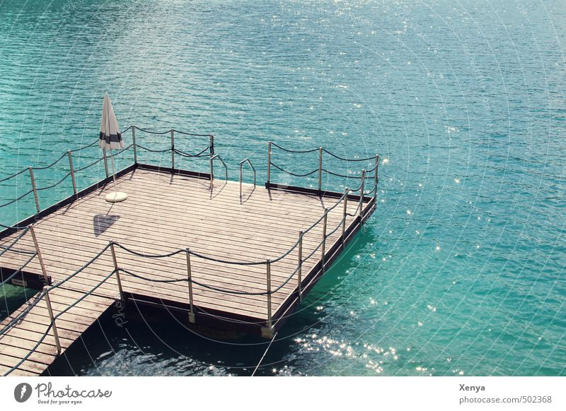 Einmal Urlaub bitte! Ferien & Urlaub & Reisen blau Wasser Sommer Erholung ruhig Schwimmen & Baden See Wellen Seeufer Sommerurlaub Steg Sonnenschirm Badeurlaub