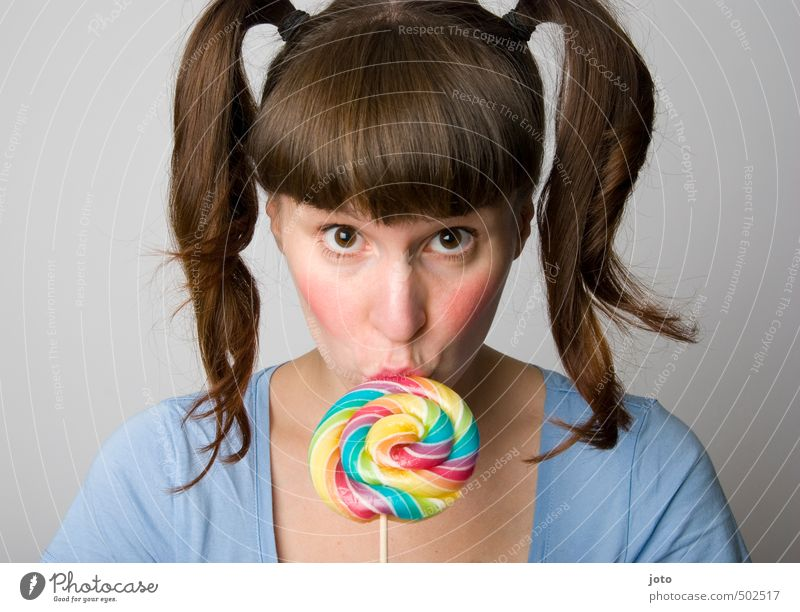lollipop Lebensmittel Süßwaren Lollipop Ernährung Diät Gesundheit Geburtstag feminin Junge Frau Jugendliche Zopf Essen füttern Küssen frech frisch rebellisch
