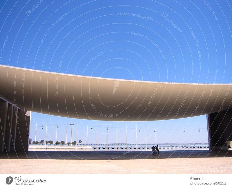 Blue Heaven Lisboa Himmel weiß Sonne blau Sommer Ferien & Urlaub & Reisen Gefühle Architektur einzigartig Decke Bogen Lissabon Portugal Seilbahn Weltausstellung