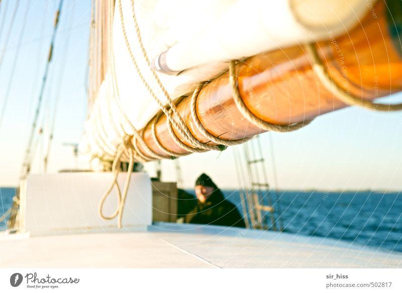Auf dem Sonnendeck Ausflug Abenteuer Segeln Ostsee An Bord Wärme blau gold weiß Begeisterung Mut Selbstbeherrschung Einsamkeit Ferien & Urlaub & Reisen Sport