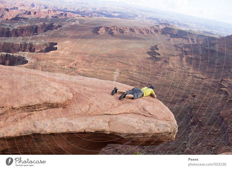 At the End of the World Natur Landschaft außergewöhnlich liegen Horizont gefährlich bedrohlich Abenteuer Höhenangst Schlucht Tapferkeit