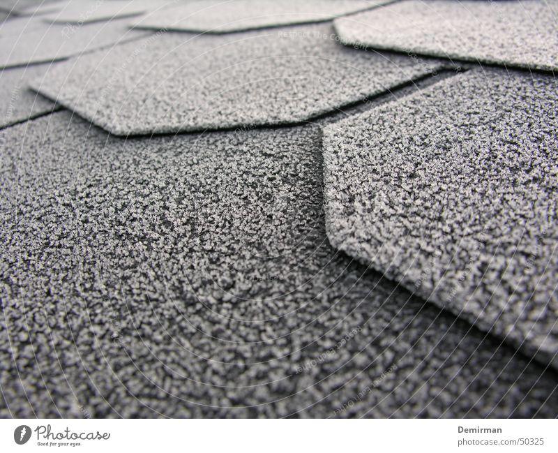 Frostlappen weiß Winter schwarz kalt Schnee Seil Ecke Dach Kristallstrukturen Lamelle