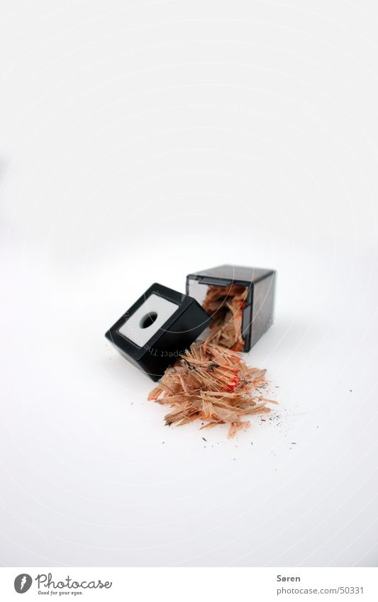 Mülllabfuhr Bleistift Anspitzer entladen leer überfüllt Comic Spielen anspitzen tabletop Alkoholisiert akku leer streichen zeichnen Erneuerung