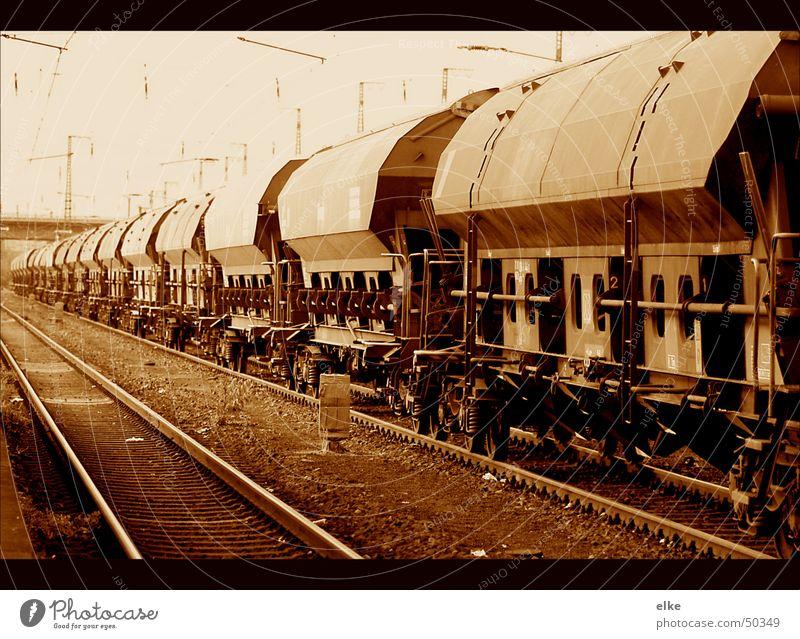 abstellgleis Verkehr Güterverkehr & Logistik Gleise Bahnhof Güterzug Güterwaggon