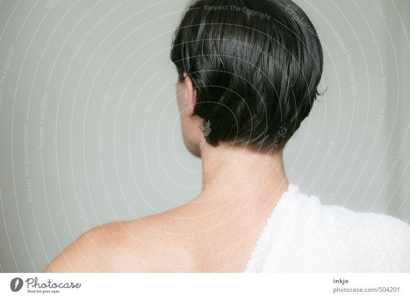 Kopf Mensch Frau schön nackt Erwachsene Leben Gefühle Haare & Frisuren Kopf Gesundheit Körper Rücken stehen einfach Wellness rein