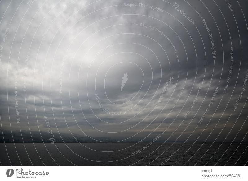 Herbscht Umwelt Natur Landschaft Himmel Wolken Gewitterwolken Herbst Klimawandel schlechtes Wetter Unwetter Wind Sturm See außergewöhnlich bedrohlich dunkel
