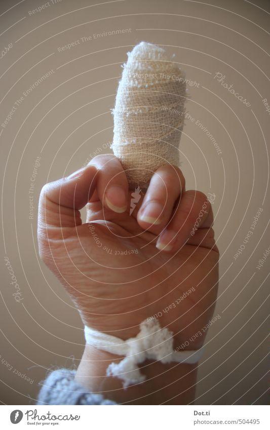 yuck fou Hand Gesundheit Finger Symbole & Metaphern Krankheit Wut zeigen Konflikt & Streit Aggression gegen gestikulieren Wunde protestieren Verband