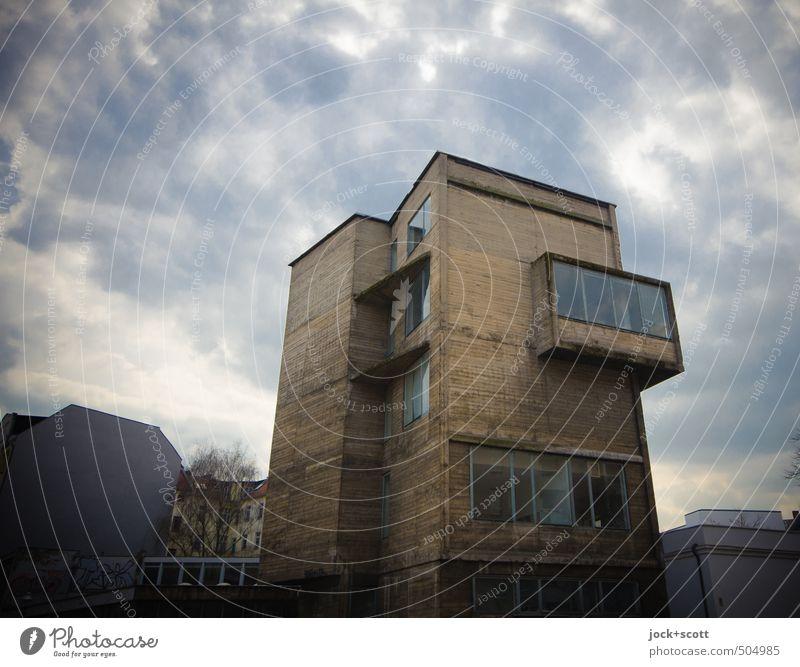 ERPH Architektur Himmel Wolken Winter Klimawandel schlechtes Wetter Berlin-Mitte Bürogebäude Gewerbebau Fassade Fenster Brandmauer Erker Erkerfenster Beton