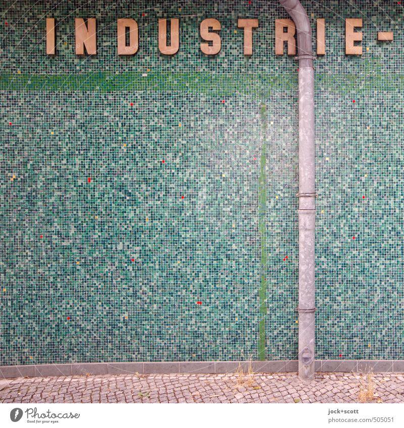 DIN-Norm Industrie Kunsthandwerk Mauer Wand Regenrinne Bürgersteig Stein Metall Schriftzeichen Linie Netzwerk elegant fest nerdig retro viele grün Stimmung