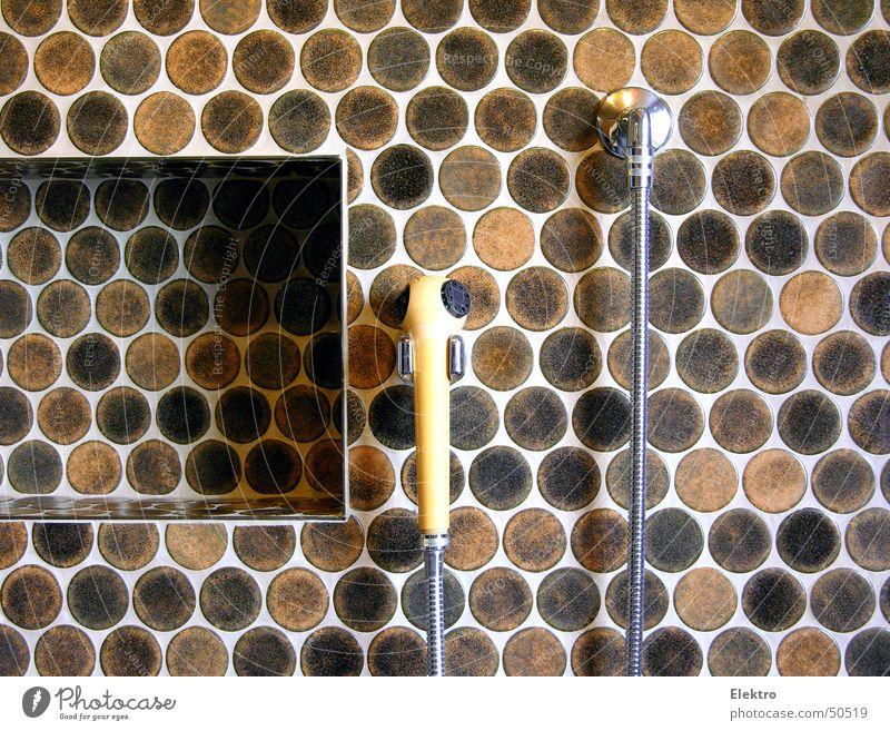 frog 73 Bad Dusche (Installation) Badewanne Waschzuber Wasser Trinkwasser Schlauch Duschkopf Fliesen u. Kacheln Haarwaschmittel Schwimmbad