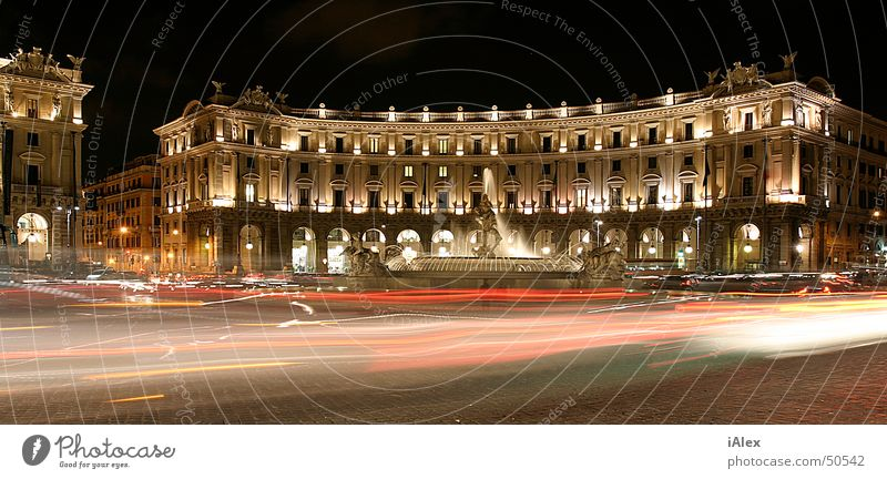 Piazza de la Rebubblica PKW Gebäude groß Platz Rom Panorama (Bildformat)