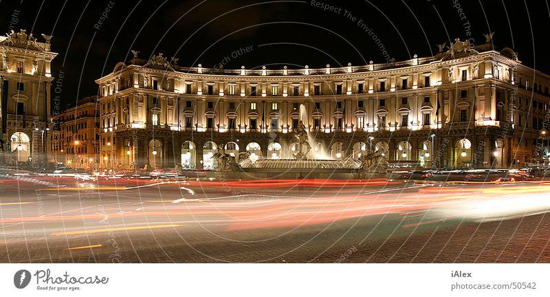 Piazza de la Rebubblica Rom Nacht Platz Gebäude PKW Licht groß Panorama (Bildformat)