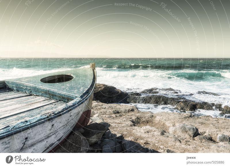Erstes 2014 | Auf zu neuen Ufern Wasser Himmel Horizont Sommer Schönes Wetter Küste Meer Insel Fischerboot alt Unendlichkeit blau braun grün Fernweh Abenteuer