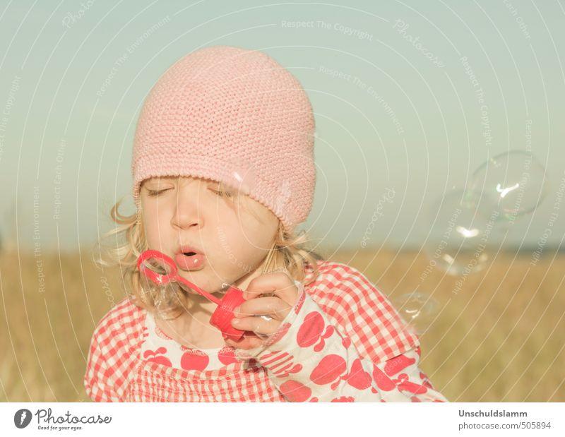Billion Bubbles in My Mind Mensch Kind blau Sommer rot Mädchen Freude Gesicht Leben Gefühle Spielen Glück hell rosa Freizeit & Hobby Idylle