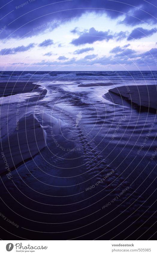 Ozeanhorizont und Wolkenlandschaft Ferne Strand Meer Insel Wellen Wasser Himmel Küste Sand natürlich trist blau Traurigkeit Horizont Sonnenuntergang Licht