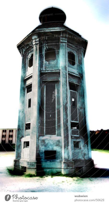 Blauer Turm blau Haus Gebäude hoch Märchen schmal Feldsalat