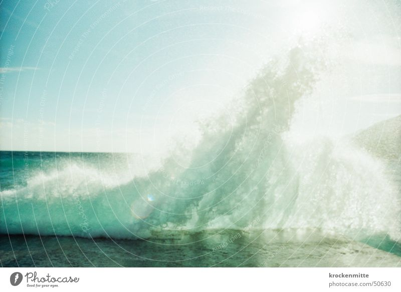 gischt Wellen Strand Meer Gischt Griechenland Buhne Gegenlicht Wasserspritzer frisch aufsteigen Brandung salzig Ferien & Urlaub & Reisen Steigung Naturgewalt