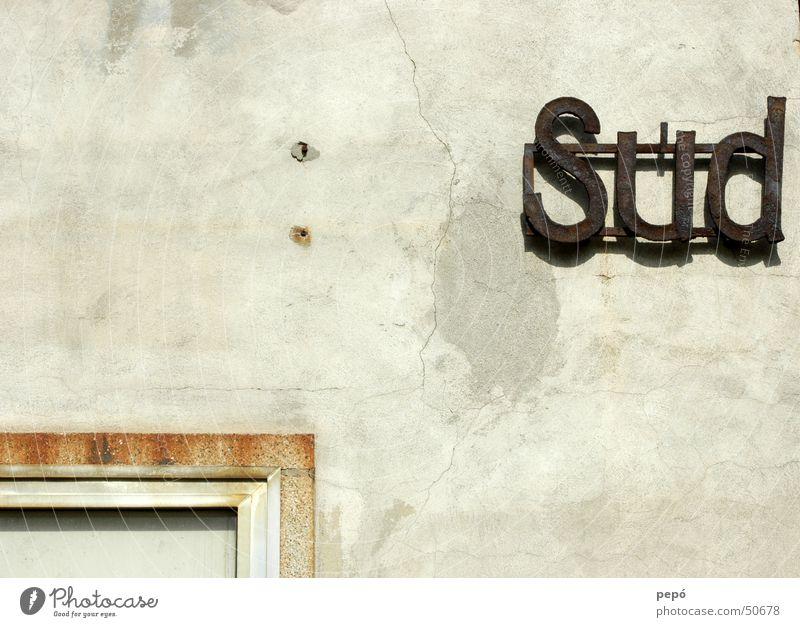 süd : VORstadt Wand Typographie Riss Süden