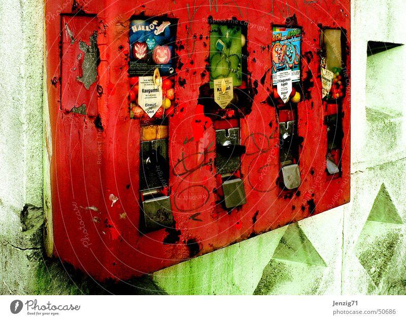 Automatisch. Süßwaren Müll Schrott Kaugummi Russland Moskau Kaugummiautomat