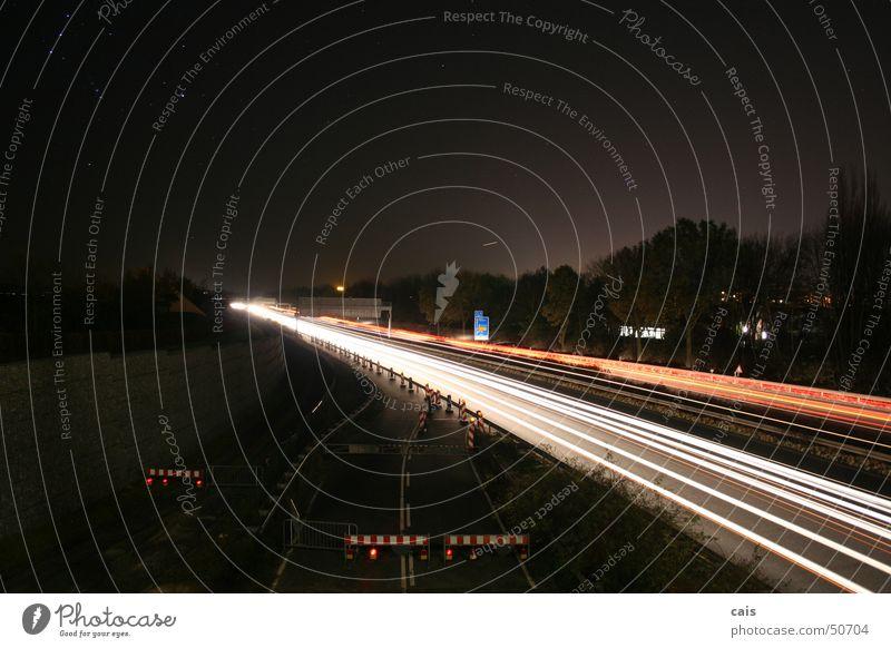 Großer Wagen Nacht Langzeitbelichtung Baustelle Baum Scheinwerfer Straße a37 Sternenhimmel