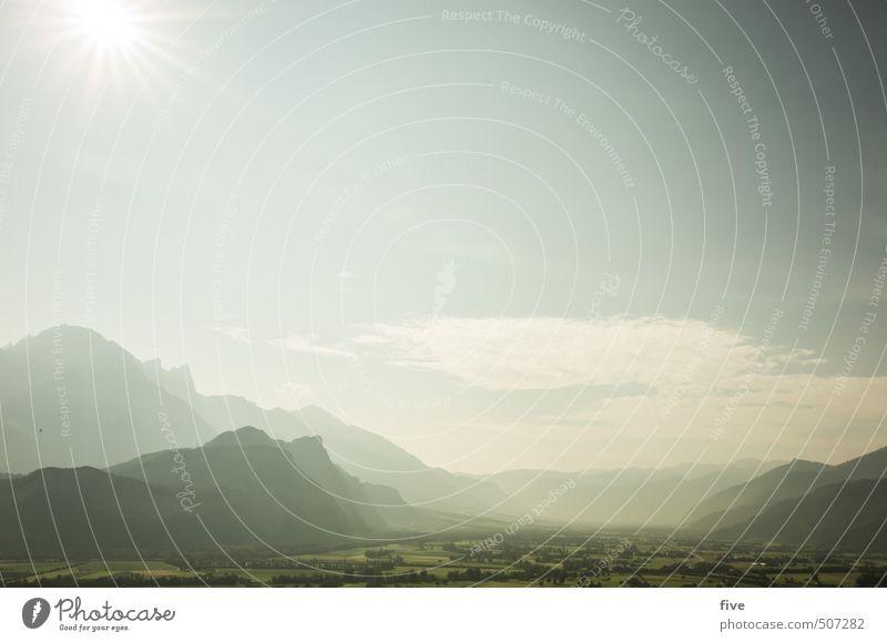 gud moning Himmel Natur Pflanze Sommer Sonne Baum Landschaft ruhig Wolken Ferne Umwelt Berge u. Gebirge Wiese Felsen Erde Feld