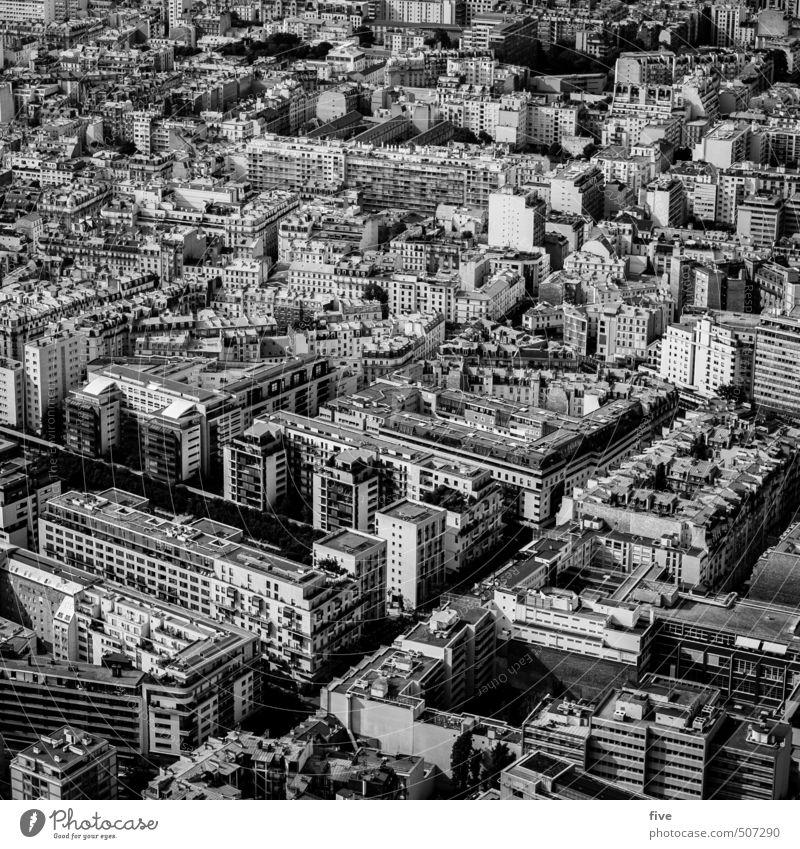 paris Kultur Stadt Hauptstadt Stadtzentrum bevölkert Haus Hochhaus Park Platz Bauwerk Gebäude Architektur Mauer Wand Fassade Balkon Terrasse Fenster Dach